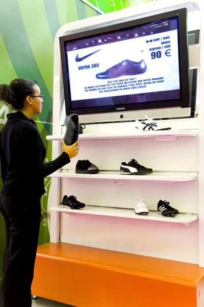 """Un écran """"hype"""" et innovant conçu pour encourager l'acte d'achat"""