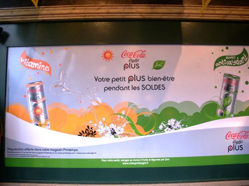 Coca-Cola fait déguster son nouveau soda aux femmes accros aux soldes
