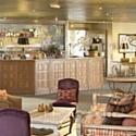 Le Manoir de Gressy propose aux entreprises des activités de team building comme l'aviron et dix salons de réunion.