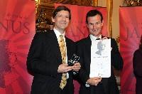 Christophe Bouvet (à gauche), directeur commercial et Services de Still France et Marc Mortueux, directeur de cabinet de Luc Chatel, Secrétaire d'État chargé de l'Industrie et de la Consommation