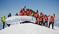 L'été dernier, en guise d'échauffement, des salariés d'Emailvision dont la moitié de commerciaux sont venus à bout du Mont Blanc.