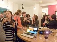 """EnglishBooster a organisé une """"Thank you party"""" avec ses clients dans un restaurant parisien."""