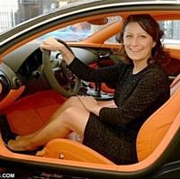 Commerciale chez Bugatti, Anita Krizsan a vendu onze voitures de luxe l'année dernière. Une performance.
