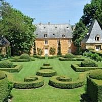 Le manoir d'Eyrignac, en Dordogne, enrichit son offre dédiée aux entreprises. Ici, l'Orangerie.