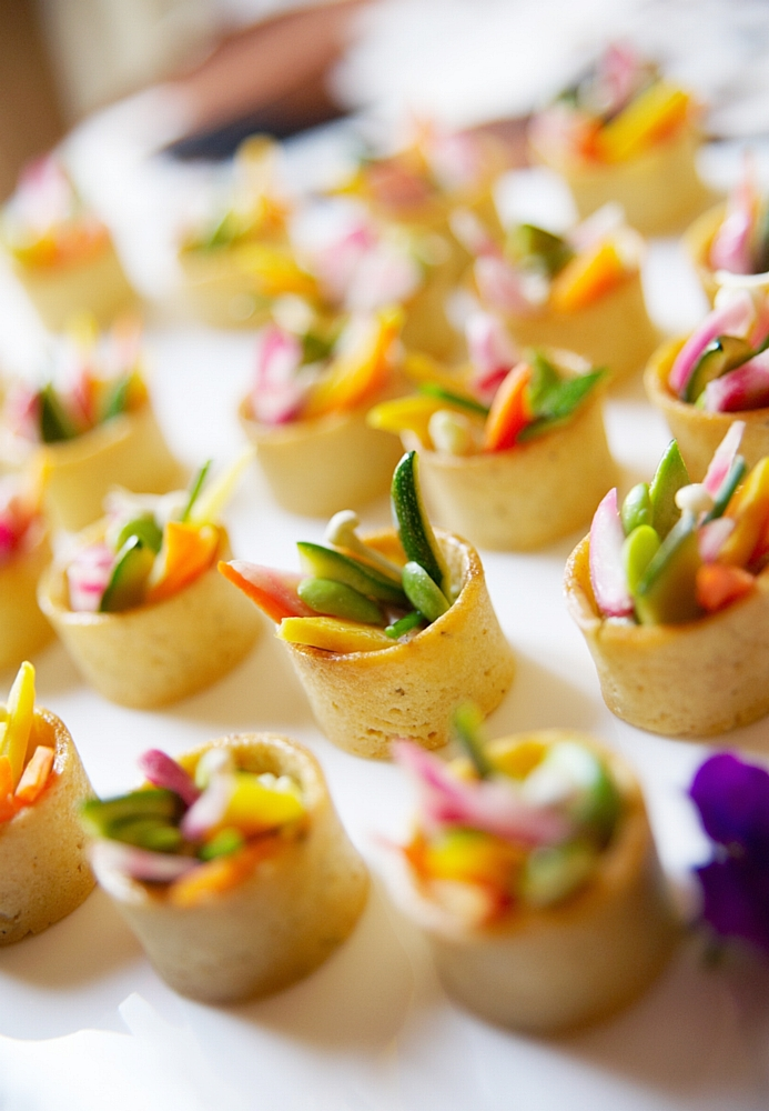 Canape ideas wedding avocado and prawn cocktail toasts for Nouvelle collection canape
