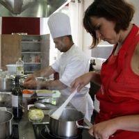 Atelier cuisine dans un château producteur de grands vins de Saint-Emilion.