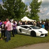 Séduire ses clients au volant de voitures de luxe