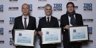 Alexandre Chevalier de Delsey (au centre), élu manager commercial de l'année 2014, entouré de Hervé Aulner de La Banque Postale (à gauche) et Bruno Buffenoir de HP (à droite).