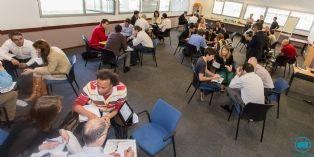 Un workshop rassemblant bénévoles de Dell et jeunes patrons de start-up