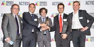 L'équipe Mercuri avec son client Velux et Jacques Benn, Président des DCF à Gauche)