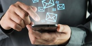 SMS : ce que peut faire ou pas votre employeur