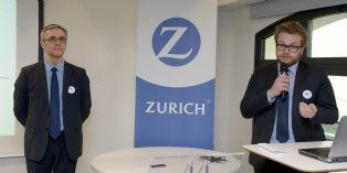 Un responsable Zurich France (à droite) et l'un de Diot, partenaire de l'assureur, lors de l'un des milliers de rendez-vous