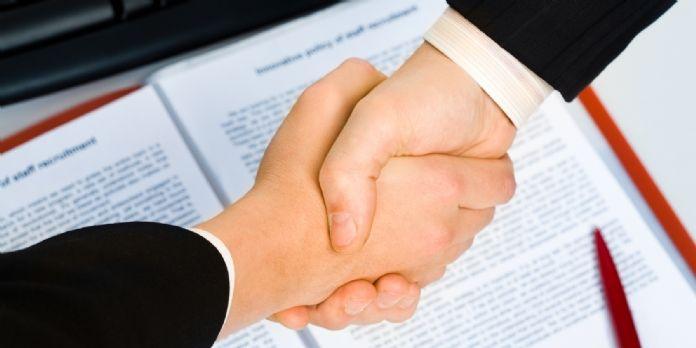 Vaut-il mieux être vendeur ou négociateur ? Ou bien les deux à la fois ?