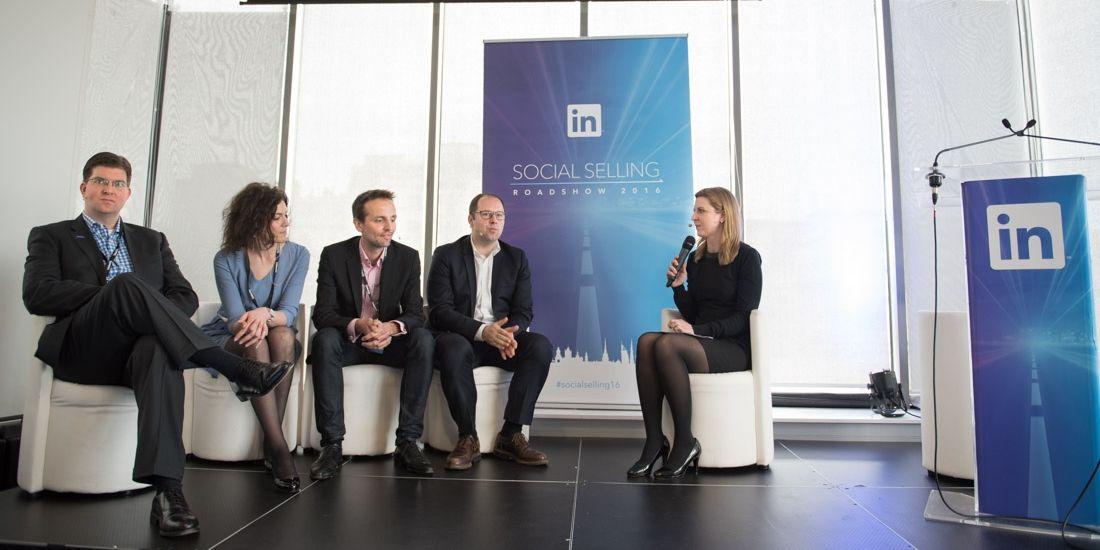 de G à D: C.Weijer (DocuSign), M.Nesssali (La Poste), T.Rudelle (AXA), X. Monty (Sage) interviewés par L.Cartigny (LinkedIn)