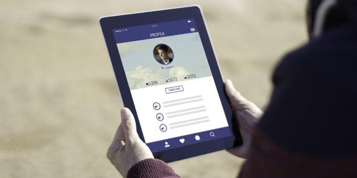 Hootsuite permet de suivre ses prospects sur les réseaux sociaux