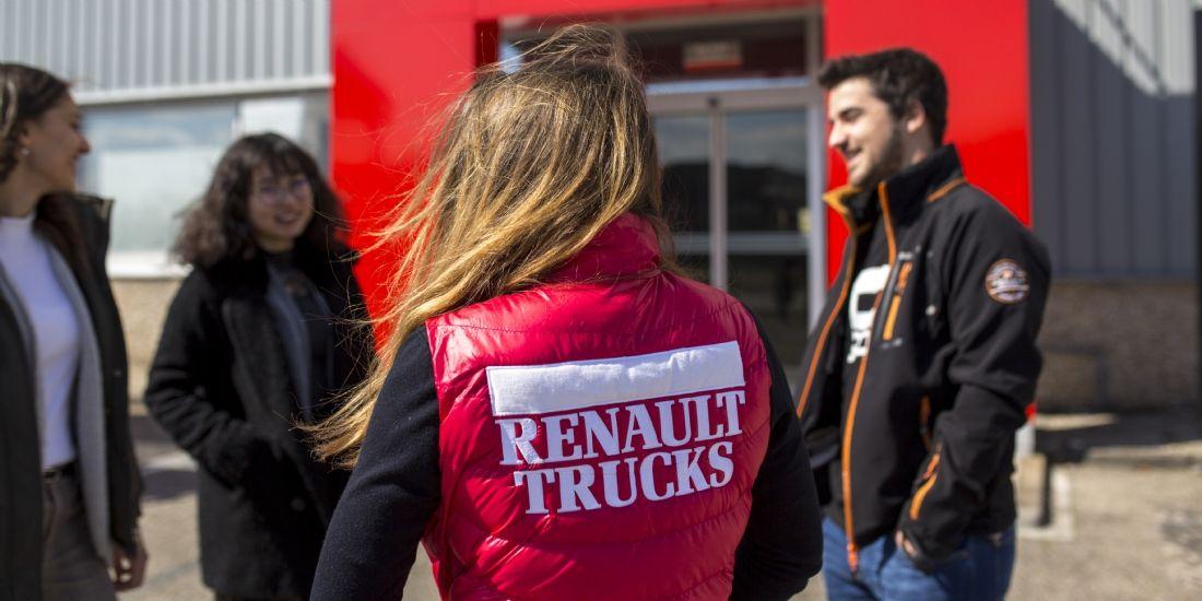 Les concessionnaires convaincus par l'école des ventes de Renault Trucks