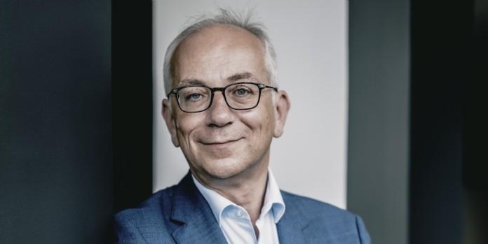 Julien Carmona, nouveau président du Crédit Mutuel Arkéa